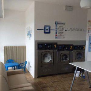 """Lavanderia Self Service Wash """"Stella del pulito"""" a Cavareno (TN)"""