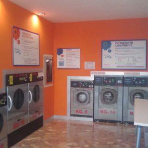 "Lavanderia Self Service Wash ""Lea Wash"" a Treviso"