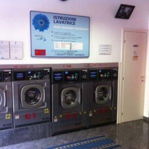 """Lavanderia Self Service """"Speedy Wash"""" a Medicina (BO)"""